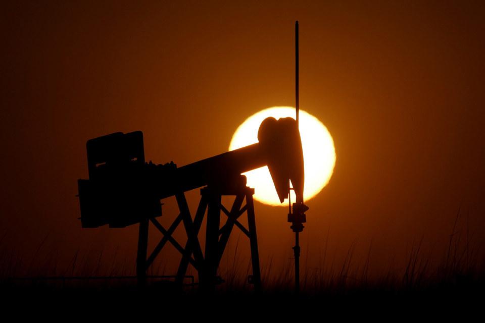 ОПЕК стала пессимистичнее смотреть на перспективы восстановления цен на нефть в 2015 г.