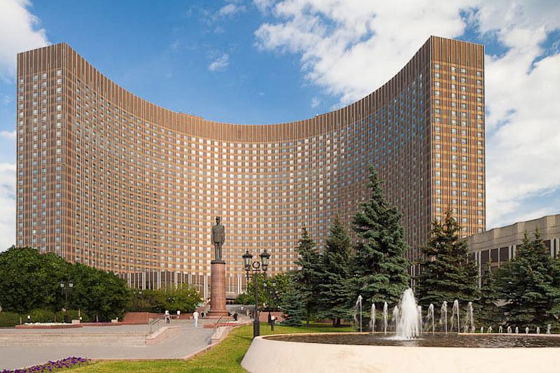 «Космос» - одна из семи гостиниц интуриста в Москве
