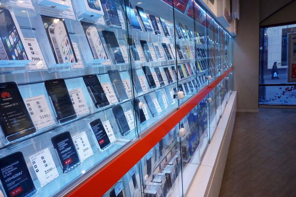 Рост выручки от продаж смартфонов связан с миграцией части их моделей в более высокие ценовые сегменты, а в конечном итоге – с ростом цен на них