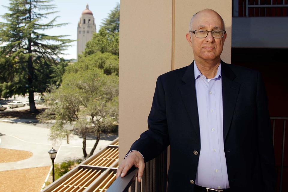 Джеффри Пфеффер (на фото) сделал себе имя на анализе различных типов власти