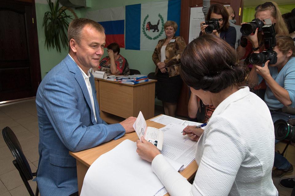 Действующий руководитель Иркутской области Сергей Ерощенко набрал 49,6% голосов