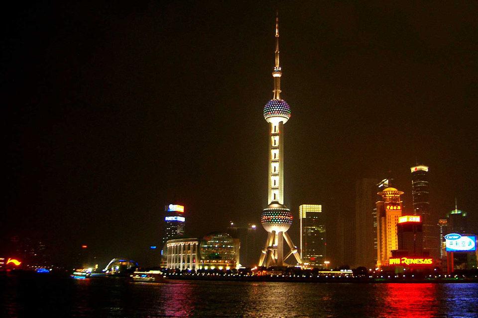 Самые смелые инвесторы присматриваются даже к китайским компаниям, хотя с июня индекс Shanghai Composite потерял 38%