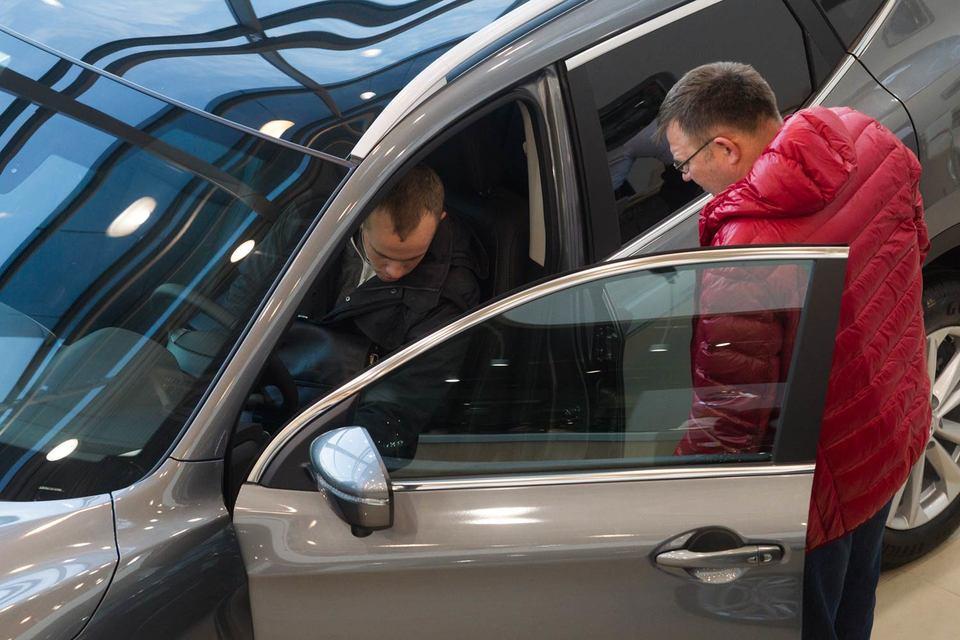 Россия вновь стала второй по продажам автомобилей в Европе, но вряд ли надолго – эксперты прогнозируют  скорый спад рынка