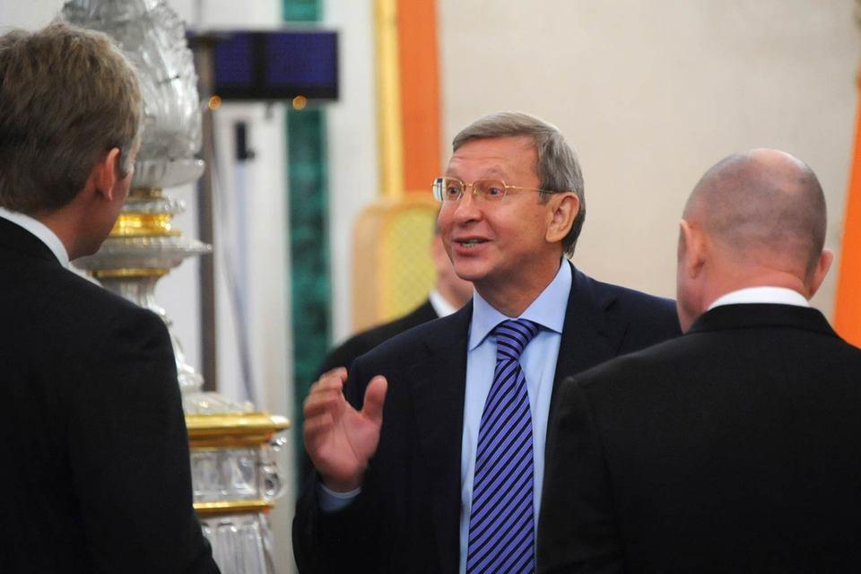 Владимир Евтушенков пока не определился с тем, вкладываться ли в финансовый сектор
