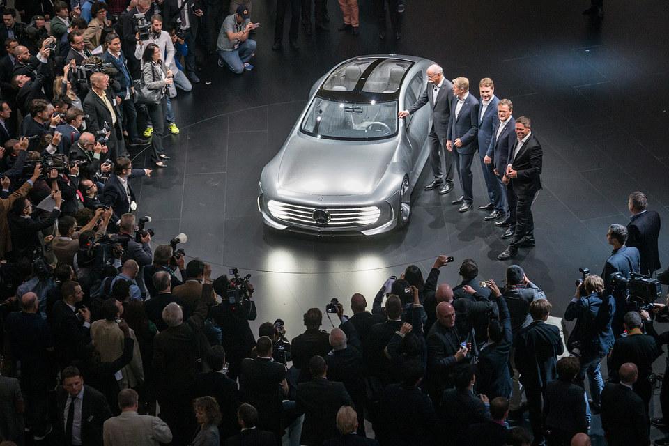 Mercedes-Benz Concept IAA на автосалоне во Франкфурте