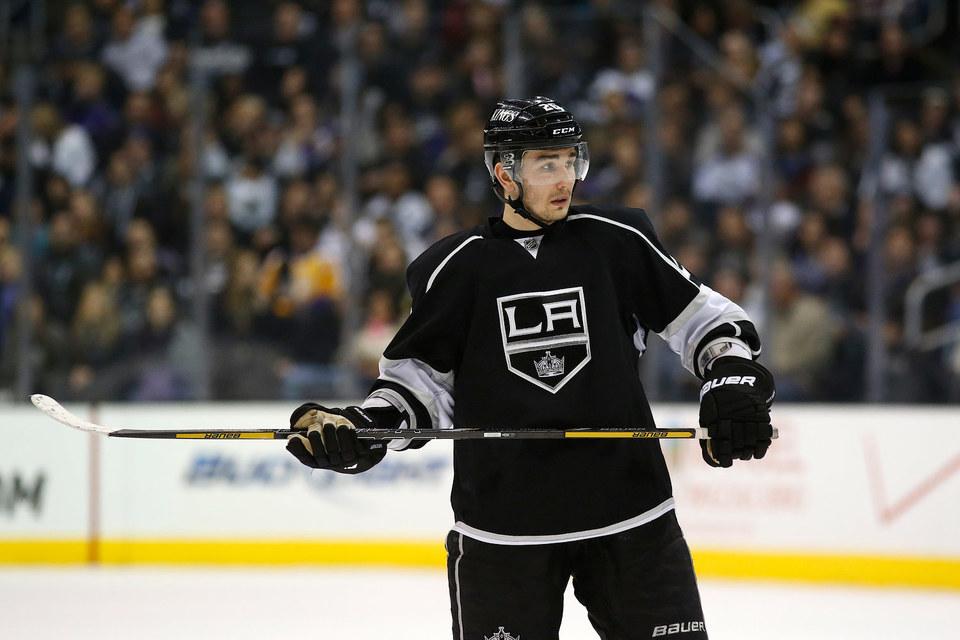 Защитник клуба НХЛ Los Angeles Kings Вячеслав Войнов намерен вернуться в Россию вместе со своей семьей