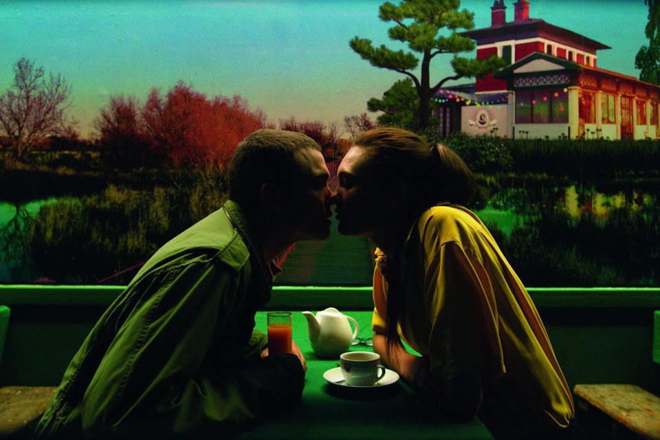 Кадр из фильма «Любовь» режиссера Гаспара Ноэ
