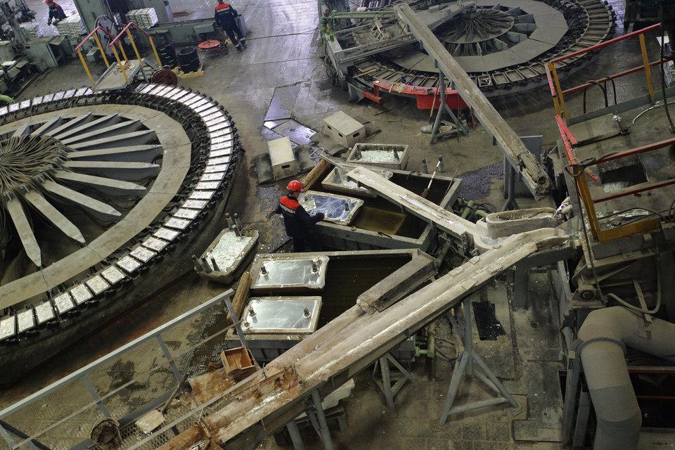 Инвестиционная программа ЧЦЗ на 2015 г., утвержденная еще 4 марта, составляет лишь 2,24 млрд руб.
