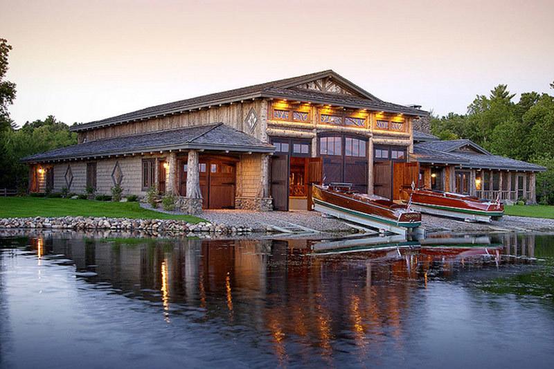 Ли Андерсон реконструировал старый озерный причал рядом с городом Ниссуа (штат Миннесота) и превратил лодочный сарай в жилой дом