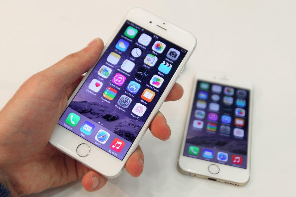 Один из судей считает, что Apple не удалось доказать, что копирование таких характеристик, как движение пальца по экрану для разблокировки телефона нанесло «непоправимый ущерб» продажам