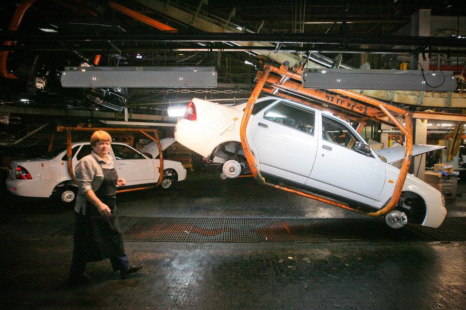 Производство Priora началось в 2007 г. В лучшие времена она лидировала в продажах Lada – доля Priora доходила почти до 30% (в 2009 г.), но затем снизилась до 10%