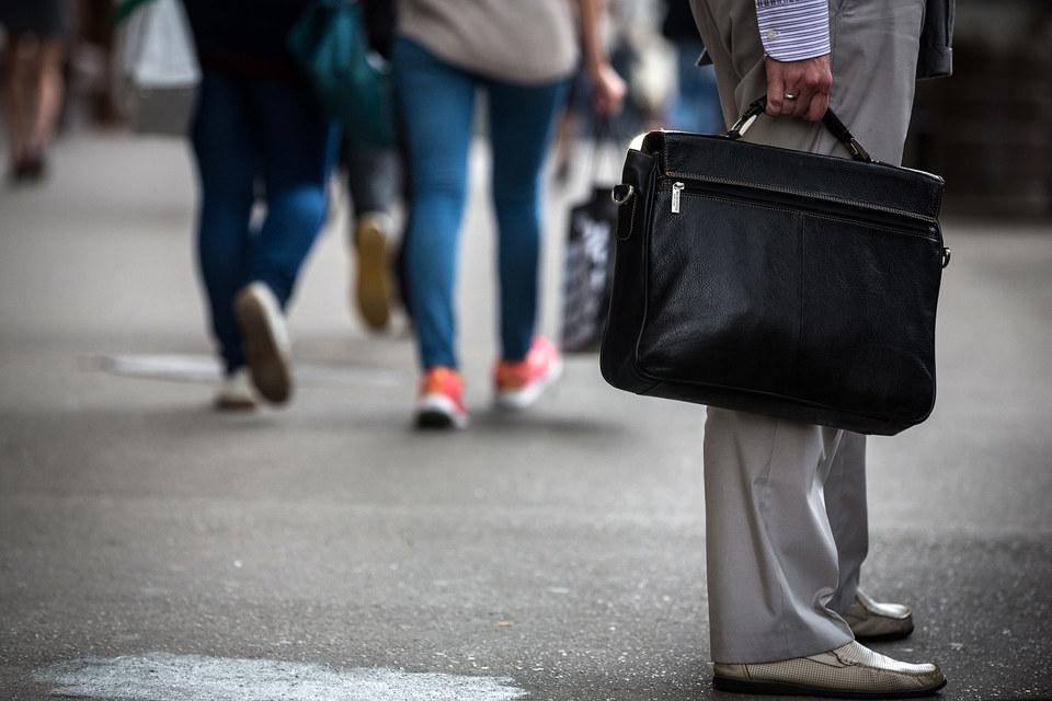 Прежде чем продавать портфели, банки несколько раз прогоняют плохие кредиты через коллекторов по агентским схемам