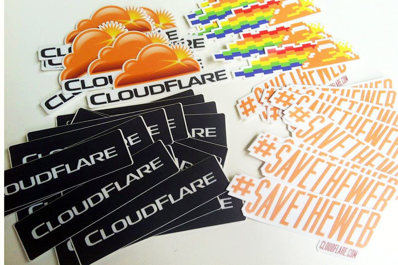 Cloudflare специализируется на ускорении работы веб-сайтов, делая их одновременно более защищенными от угроз, таких как DDoS-атаки