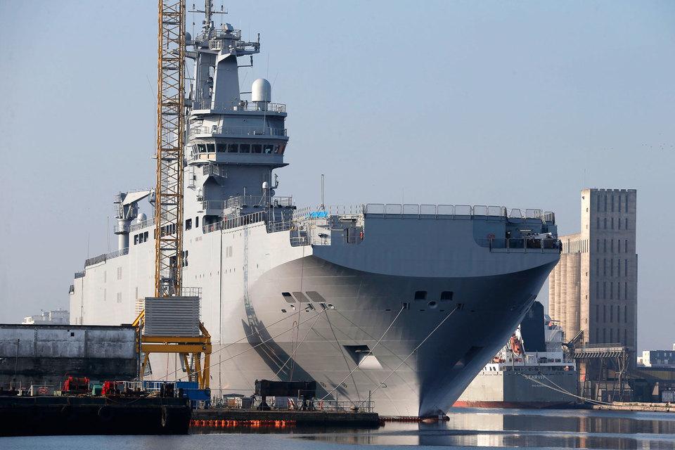 По сообщению агентства Bloomberg, в Париже заверили, что при продаже вертолетоносцев Египту французская сторона не понесет финансовых потерь