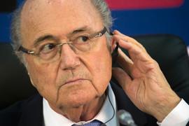 Генеральная прокуратура Швейцарии подозревает, что 12 сентября Блаттер подписал контракт на невыгодных для FIFA условиях с Карибским футбольным союзом