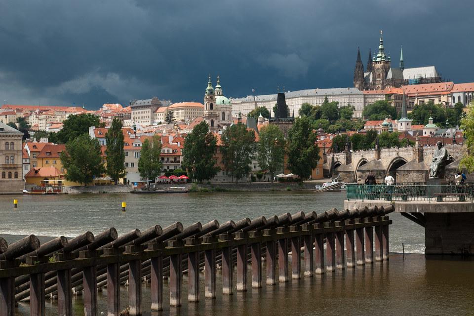 Альфа-банк сможет привлекать относительно дешевые интернет-депозиты в Чехии и Словакии