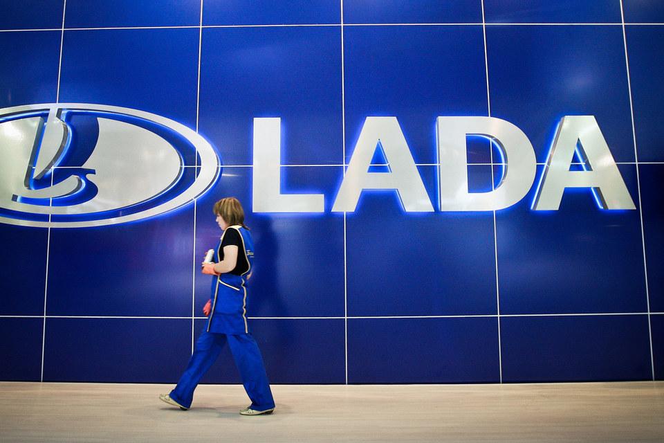 В прошлом году «АвтоВАЗ» продал за рубеж 55 463 машины и машинокомплекта Lada