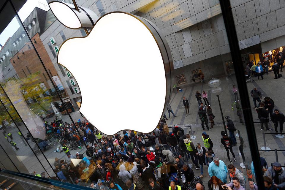 Очередь в магазин Apple в Германии