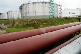 Восстановлению цен мешает высокая активность нефтяников за пределами США и значительные запасы нефти