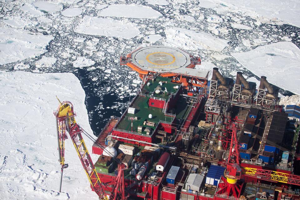 Всего на российском шельфе сейчас пробурено 287 скважин, из них 89 – в Арктике