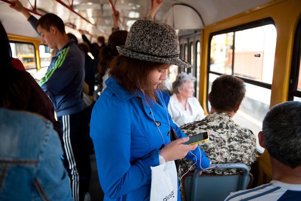 В июне-августе 2015 года число выезжающих за рубеж абонентов МТС сократилось на 13% год к году, а число путешествующих по России выросло на 7%