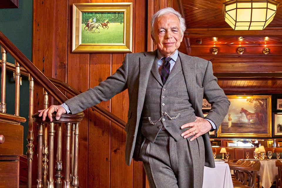 Ральф Лорен подчеркивает, что уход с руководящей должности не означает ухода из компании: дизайнер намерен и далее контролировать развитие всех подразделений Ralph Lauren Corp.