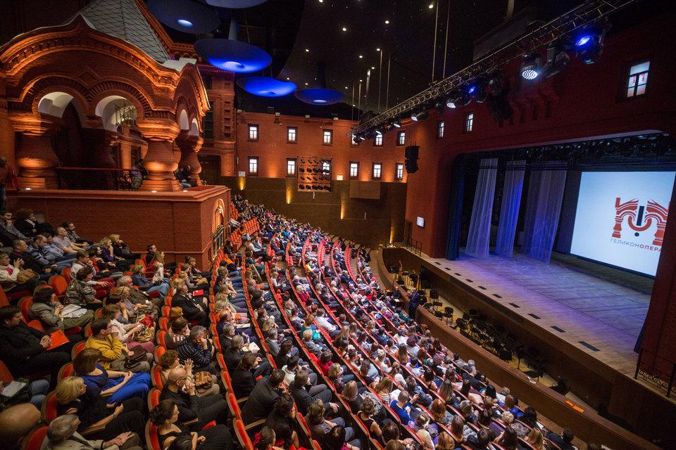 В новом зале «Геликон-оперы» уместился нетронутый памятник архитектуры, ранее мокнувший под дождем