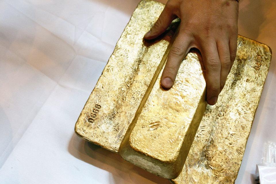 Рекордсменом стало «Полюс золото» (более 95% акций принадлежит Polyus Gold International, бумаги которой торгуются в Лондоне), акции которого в очередной раз взлетели на 69,6%