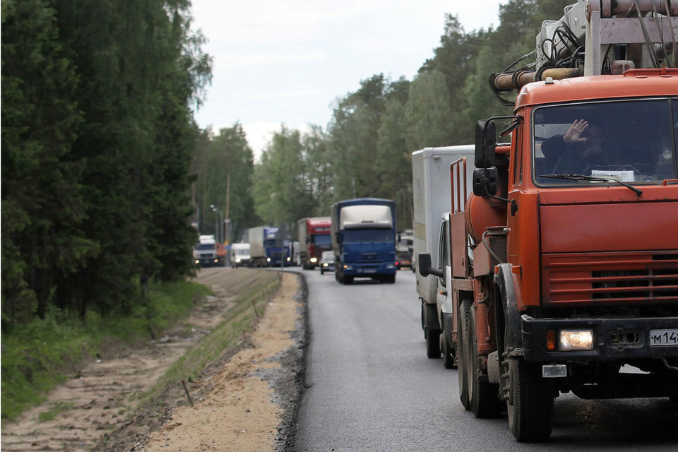 Ежегодный ущерб от автотранспорта со сверхнормативным весом Росавтодор оценивает в 2,6 трлн руб. в год
