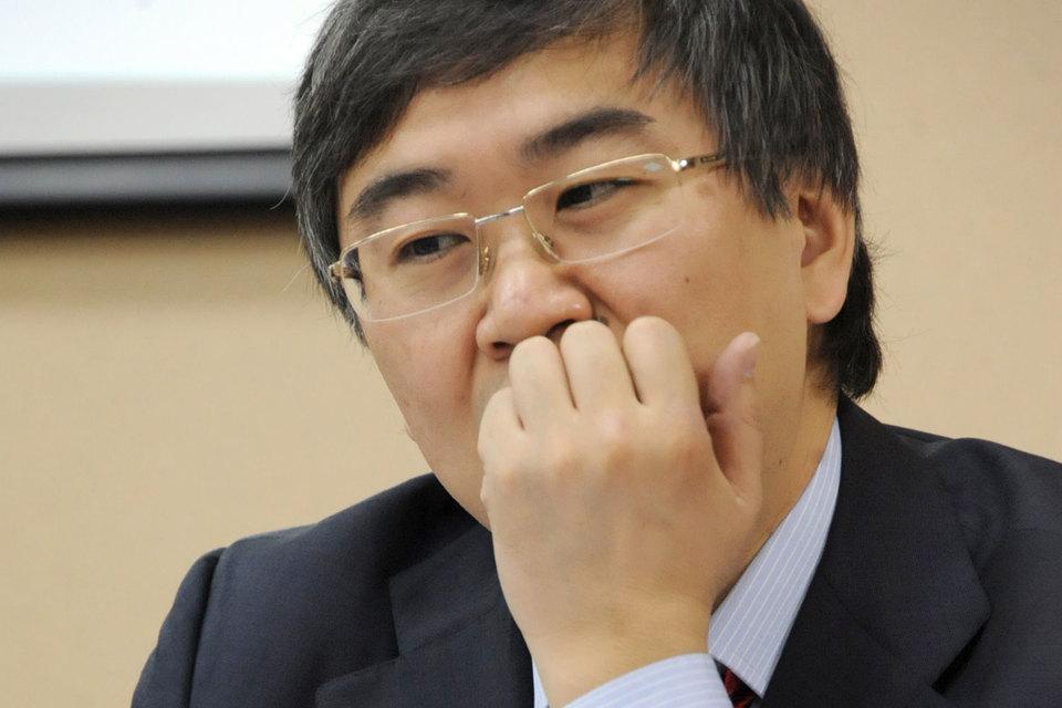 На конец 2014 г. Игорю Киму принадлежало 14,8% компании, теперь у него 49,3%