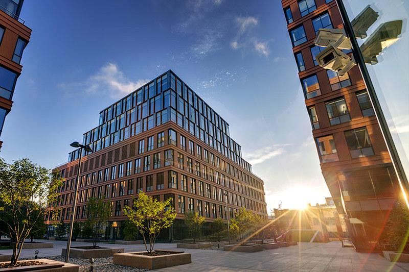 Общая площадь бизнес-центра (БЦ) «Алкон» – около 100 000 кв. м, из них 66 700 кв. м – арендуемая