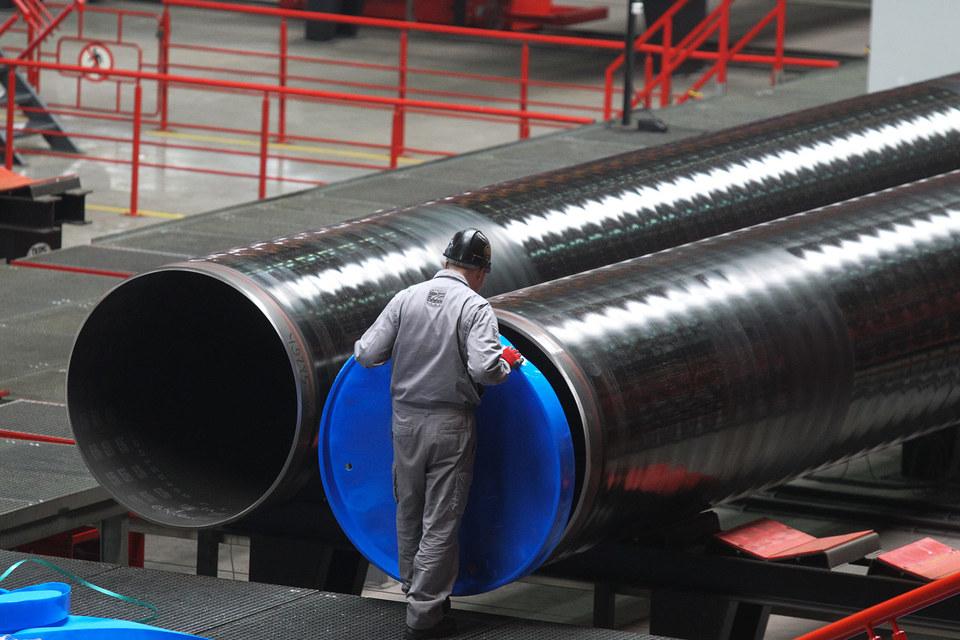 «Газпром» по требованию ФАС готов вновь изменить процедуру покупки труб
