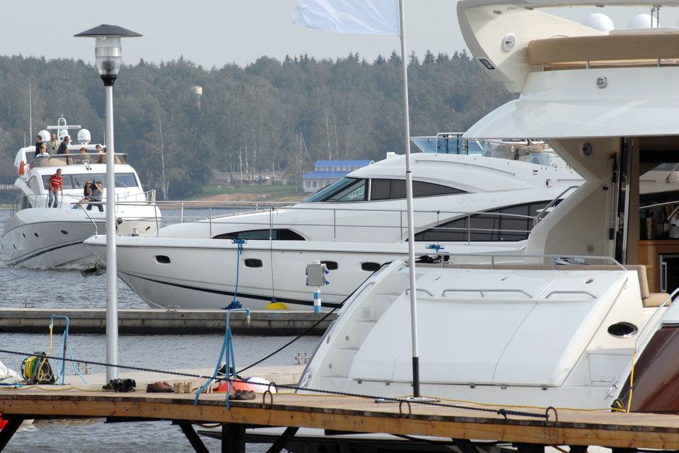 ФСБ предлагает предоставить доступ к данным о владельцах яхт и самолетов для всех, кроме самих правообладателей, их представителей и компетентных государственных органов