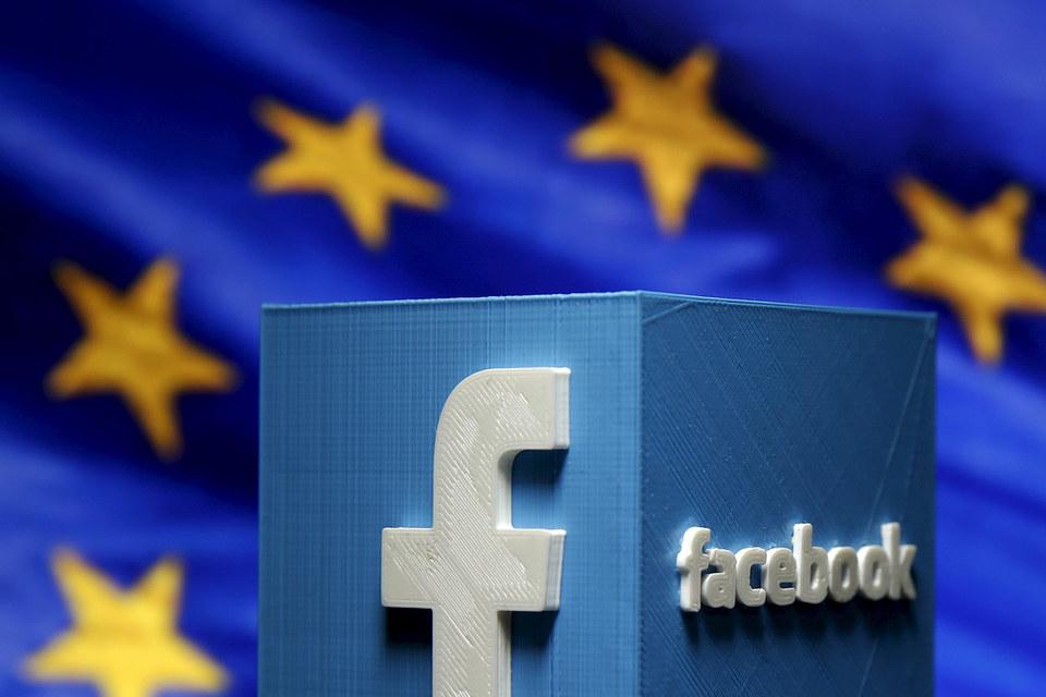 Конфликт разгорелся после того, как в 2014 г. молодой австриец Макс Шремс пожаловался на Facebook, обвинив компанию в нарушении приватности
