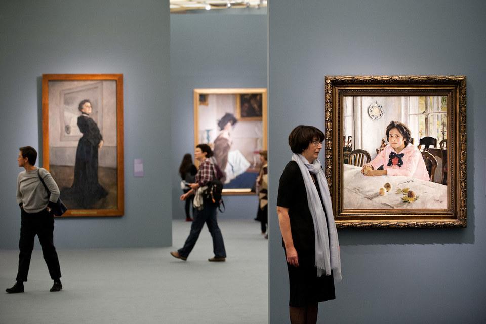 Многие из показанных на выставке Серова картин всем знакомы с детства