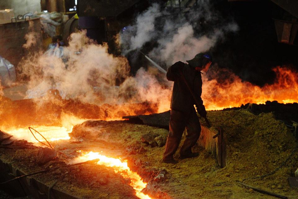 Российских металлургов из-за девальвации рубля сейчас мало где ждут