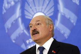 Особенность нынешней кампании Лукашенко – полный отказ от риторики об интеграции с Россией, приоритетами вдруг стали налаживание отношений с ЕС и даже США