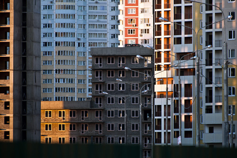 За девять месяцев 2015 г. в Москве сдано в эксплуатацию 2,404 млн кв. м жилья, рассказал «Ведомостям» руководитель департамента градостроительной политики Москвы Сергей Левкин