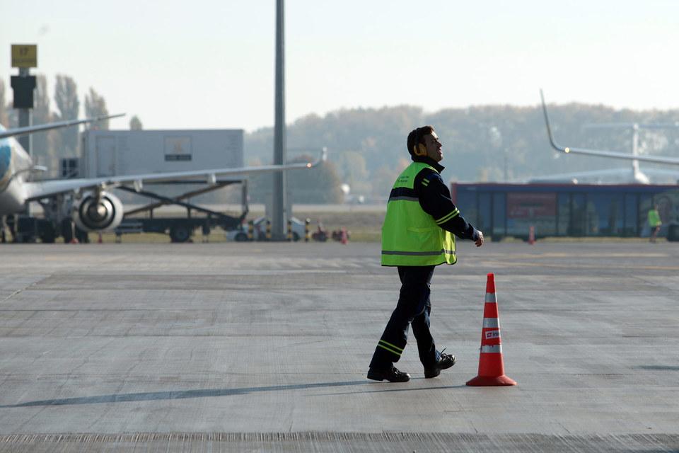 Украина прекращает воздушное сообщение с Россией