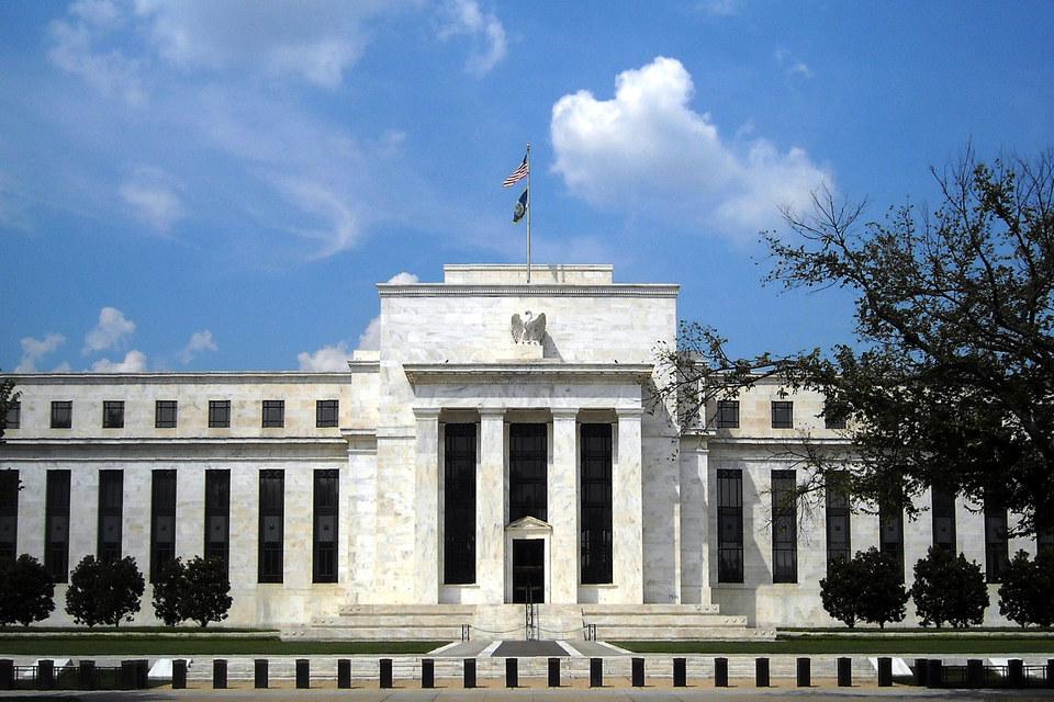 Руководители ФРС, по всей видимости, по-прежнему готовы впервые с июня 2006 г. повысить ставки до конца этого года