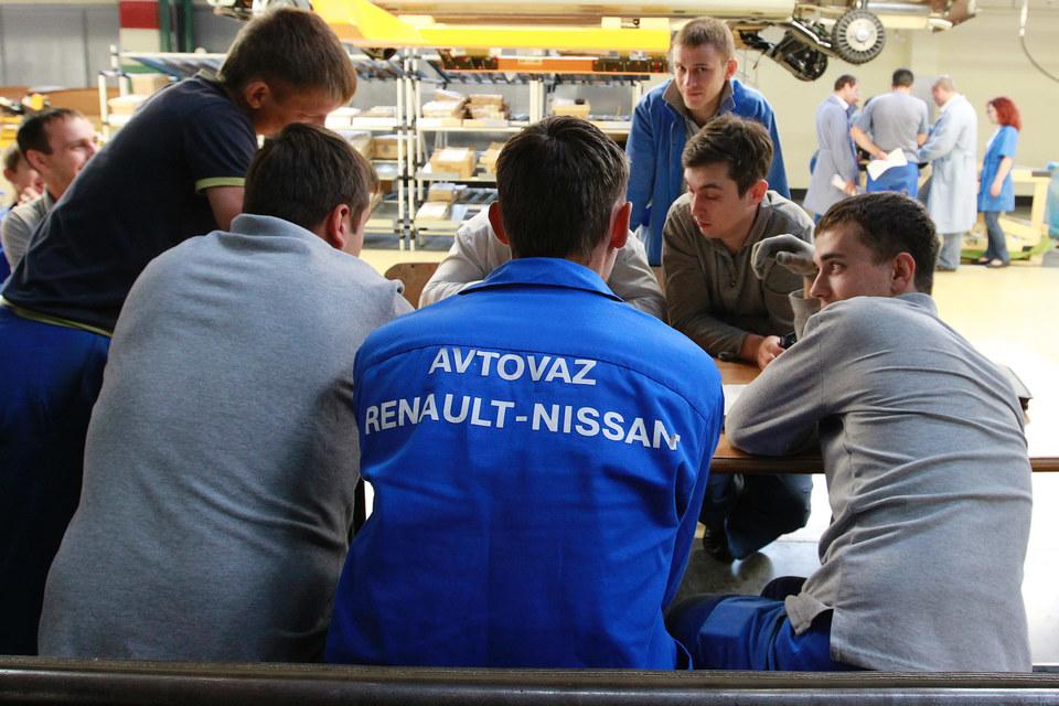 За время простоя для альянса Renault-Nissan было недовыпущено 1000 машин