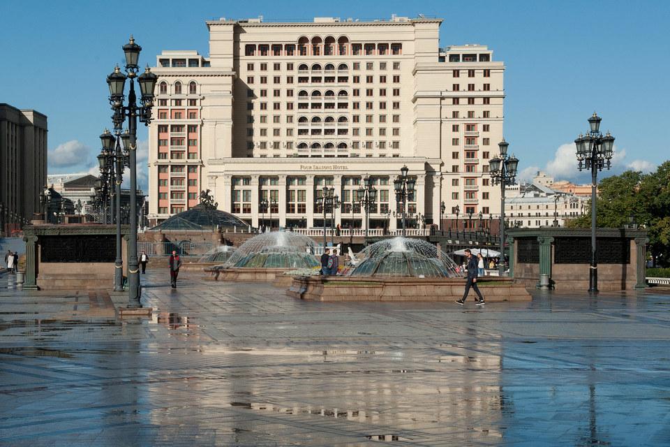 Юрий и Алексей Хотины стали покупателями гостиницы «Москва»
