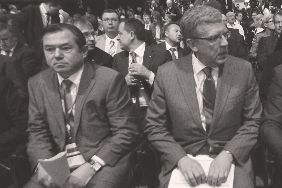 Баланс сил в экономической политике долгие годы определялся противостоянием эмиссионных дирижистов и монетаристов-реформаторов. На фото: Сергей Глазьев и Алексей Кудрин