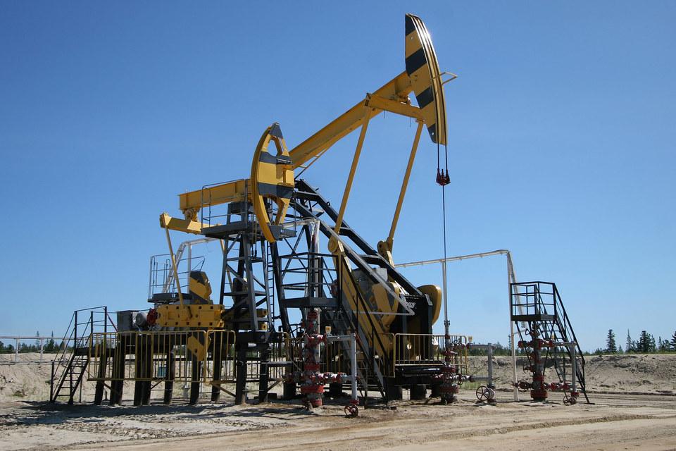 Нефтяным компаниям придется платить высокую экспортную пошлину весь 2016 год