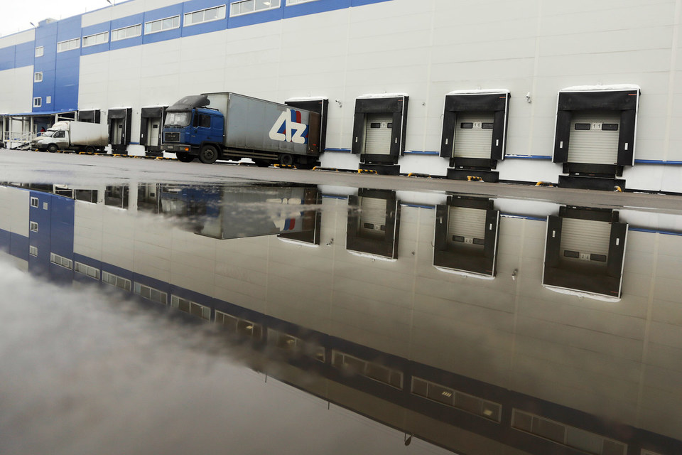 Высокая конкуренция существенно снизила ставки на склады