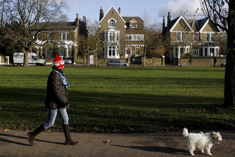 Британское правительство держит в узде как потребительский спрос, так и объем предложения жилья