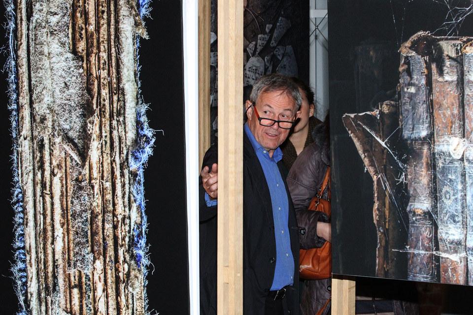 Юрий Дойч на своей выставке