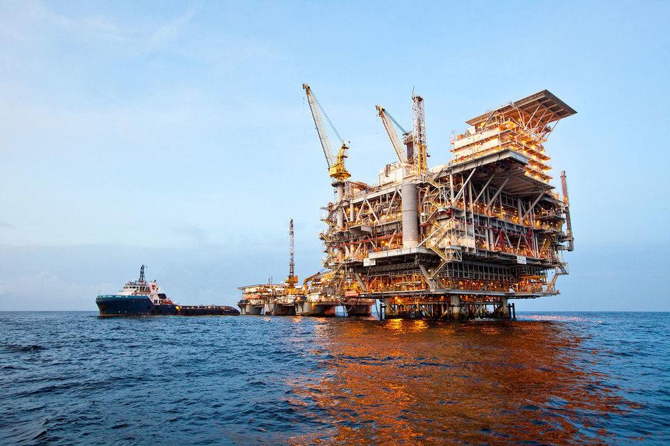 Добыча не дает крупнейшим нефтяным компаниям необходимого количества денег