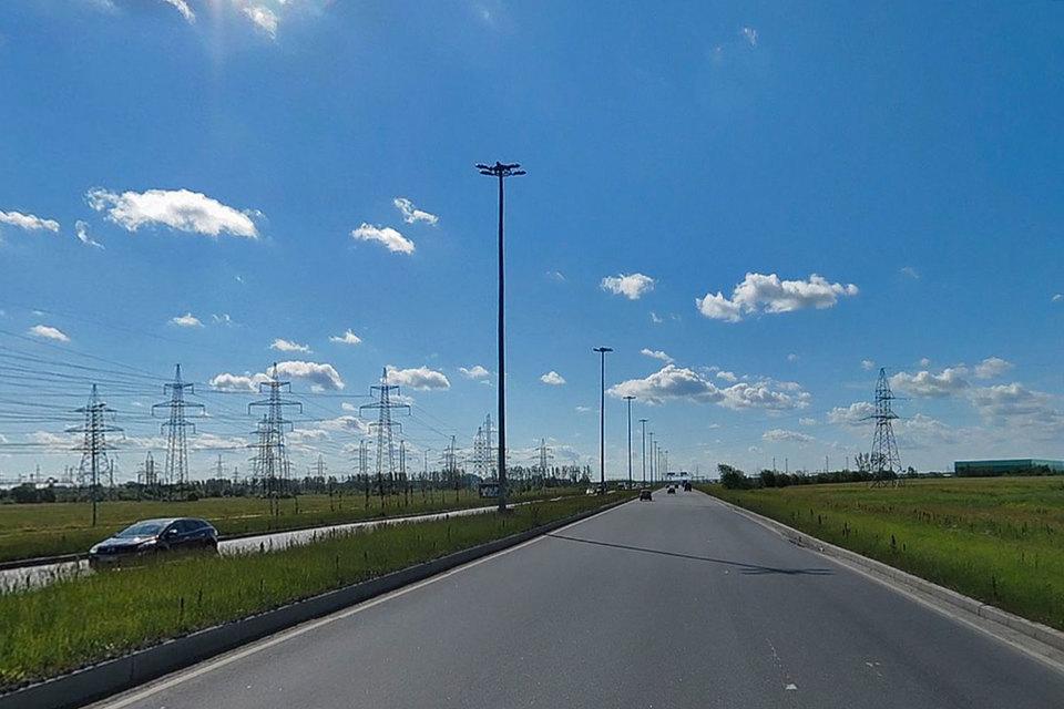 Комитет подал заявку на федеральное софинансирование строительства продолжения Софийской улицы в 2016 г. на сумму 300 млн руб. и в 2017 г. – на 500 млн руб., говорит представитель КРТИ