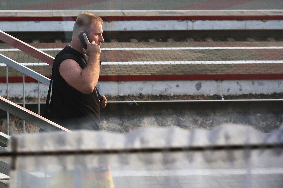 Национальный роуминг действует, когда абонент приезжает в другой регион страны, где его мобильный оператор не работает, и потому подключается к сети другого оператора